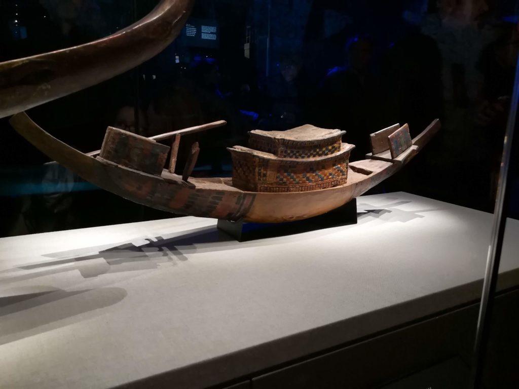 Barque expo Toutankhamon